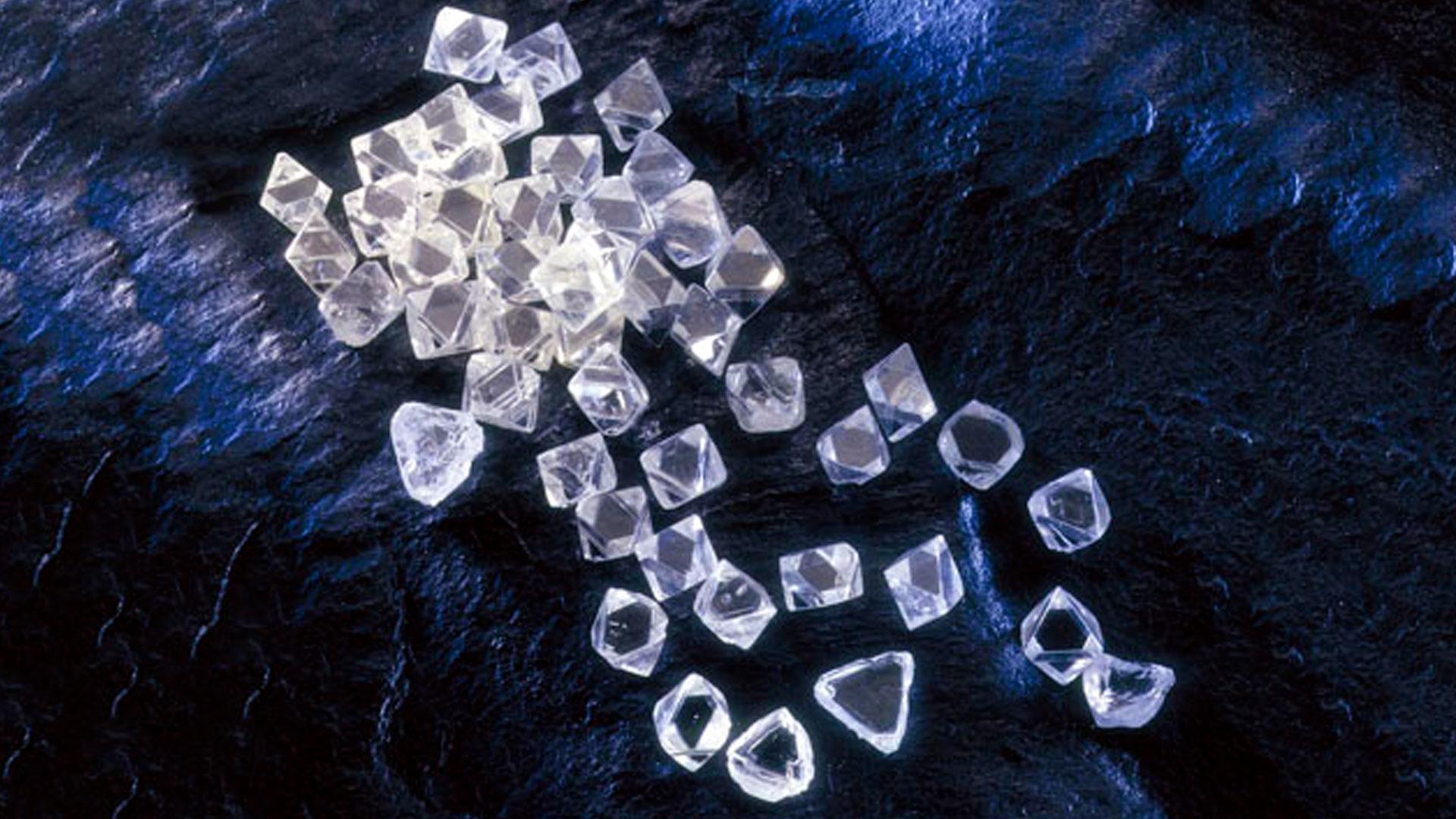 Diamante Historia y Lore