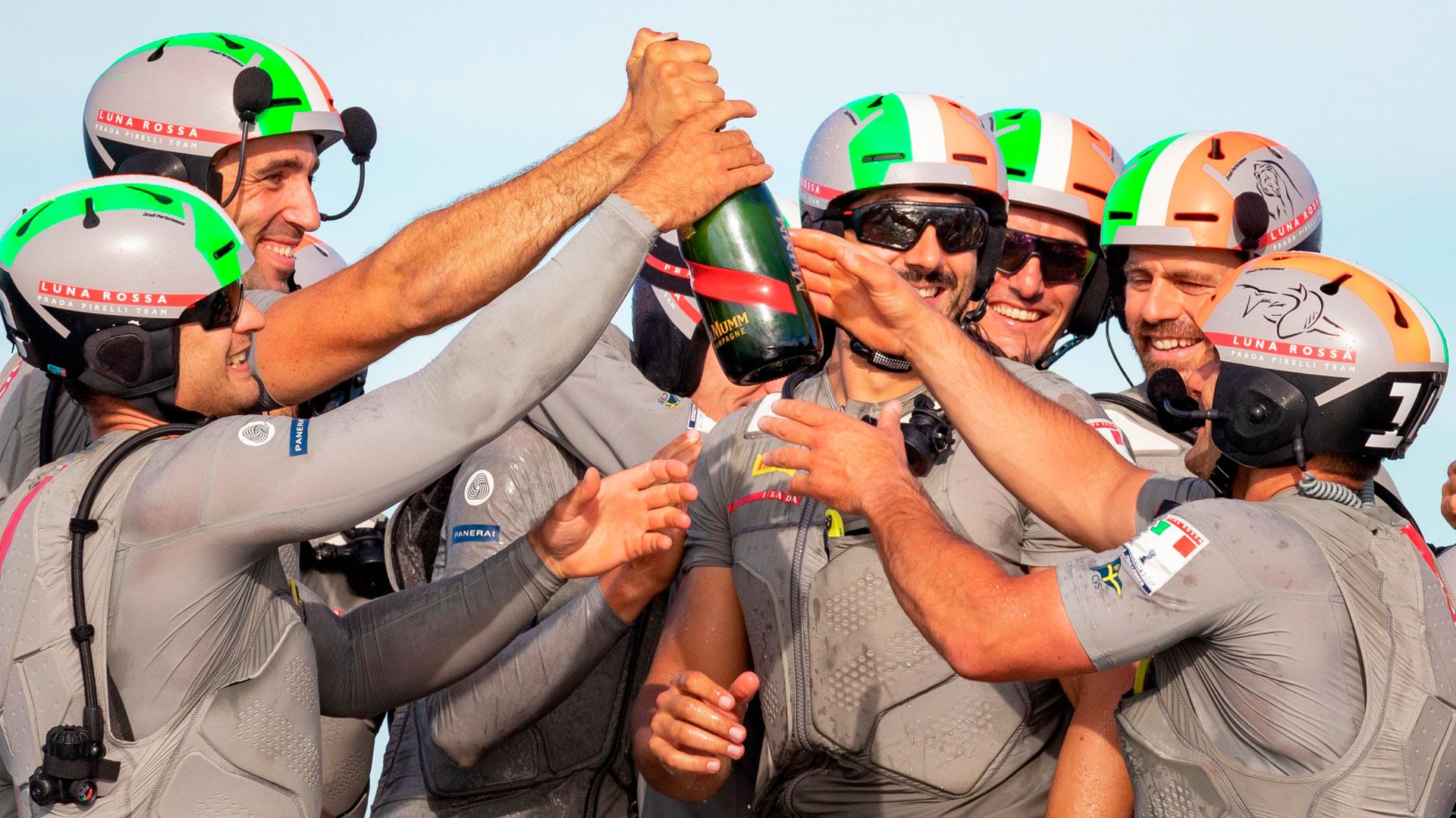 El team Luna Rossa se proclama  Campeón de la 36º America's Cup, Panerai se enorgullece de ser su patrocinador, además de ser el cronometro oficial de la Competición.