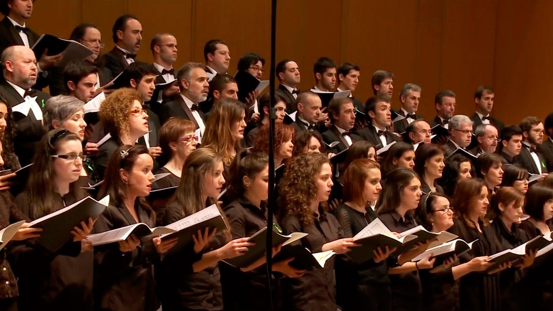 La Sinfónica de Galicia abre una ventana en la web para responder en directo a los usuarios de las redes sociales con #osgwebtalk