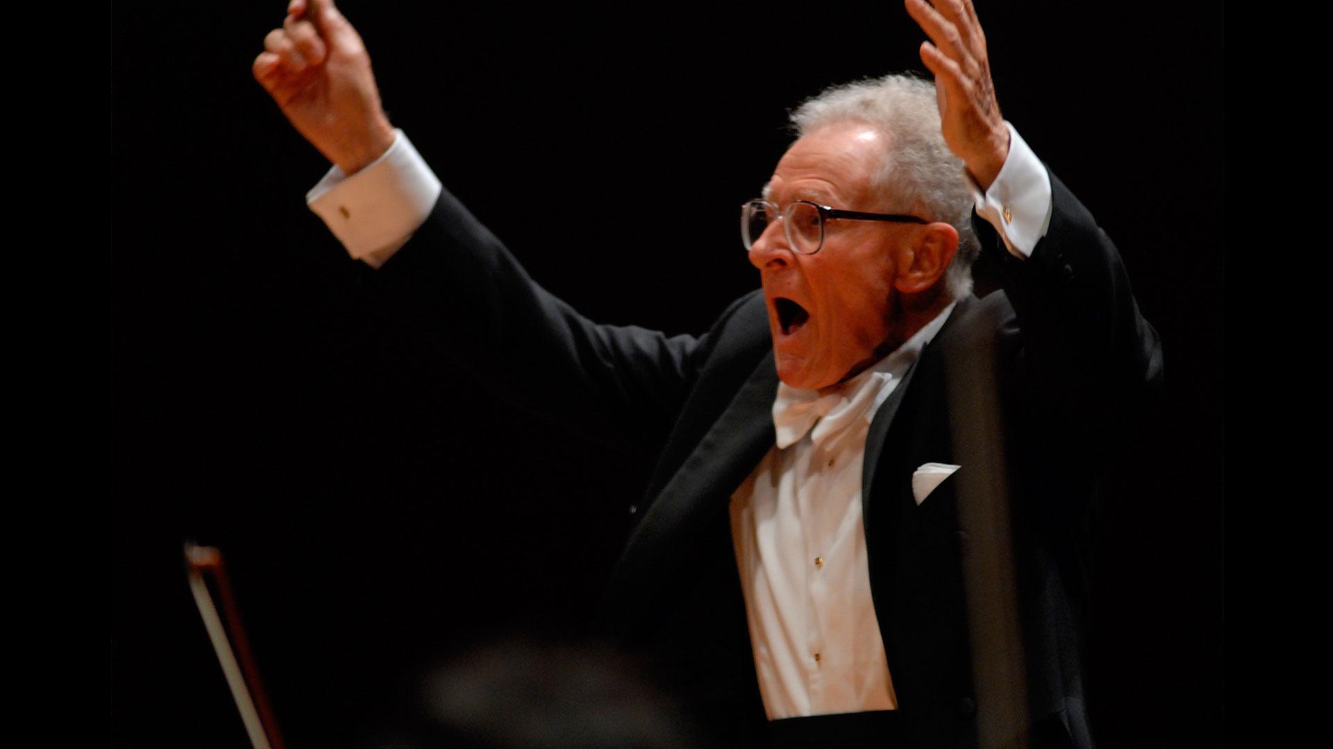 Stanislaw Skrowaczewski, una leyenda de la dirección orquestal, ofrece con la OSG a su adorado Bruckner, autor por el que ha sido premiado internacionalmente