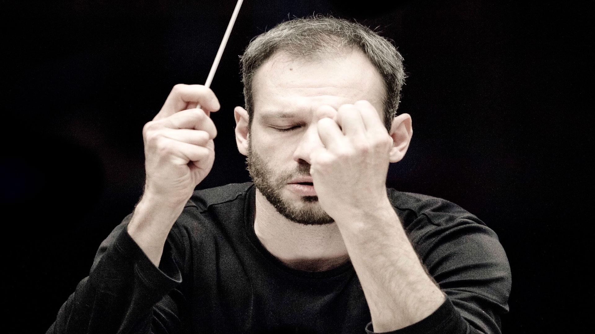De la música gallega a la rusa, el nuevo titular de la OSG Dima Slobodeniouk aborda un amplio repertorio con obras de Vázquez, Falla, Ravel, Wagner, Prokófiev y Rachmáninov en los dos primeros programas de abono de 2014