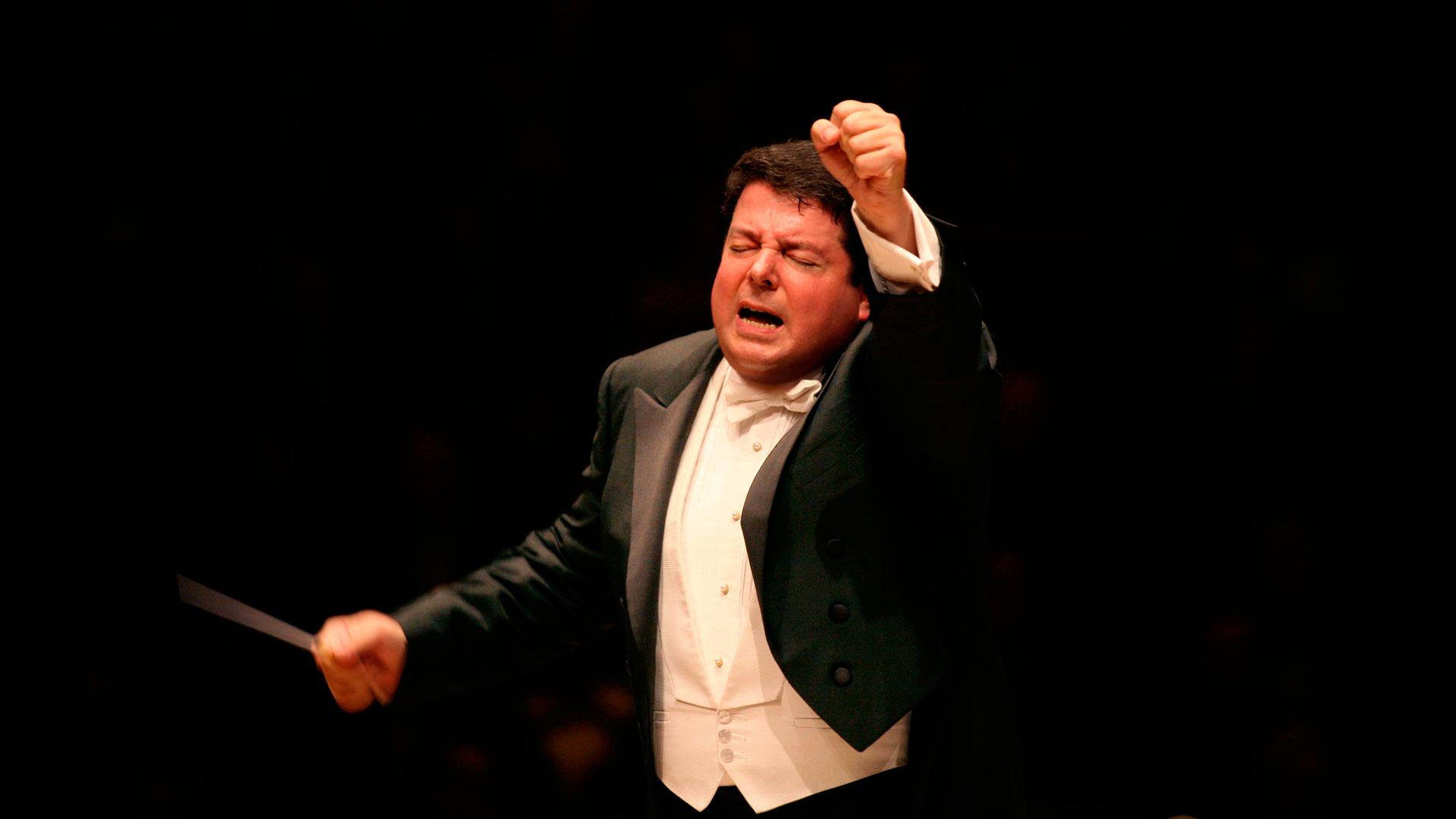 """Andrew Litton interpreta la """"Sinfonía nº 5″ de Mahler y pone al día a su premiado Rachmáninov con el pianista Stephen Hough"""