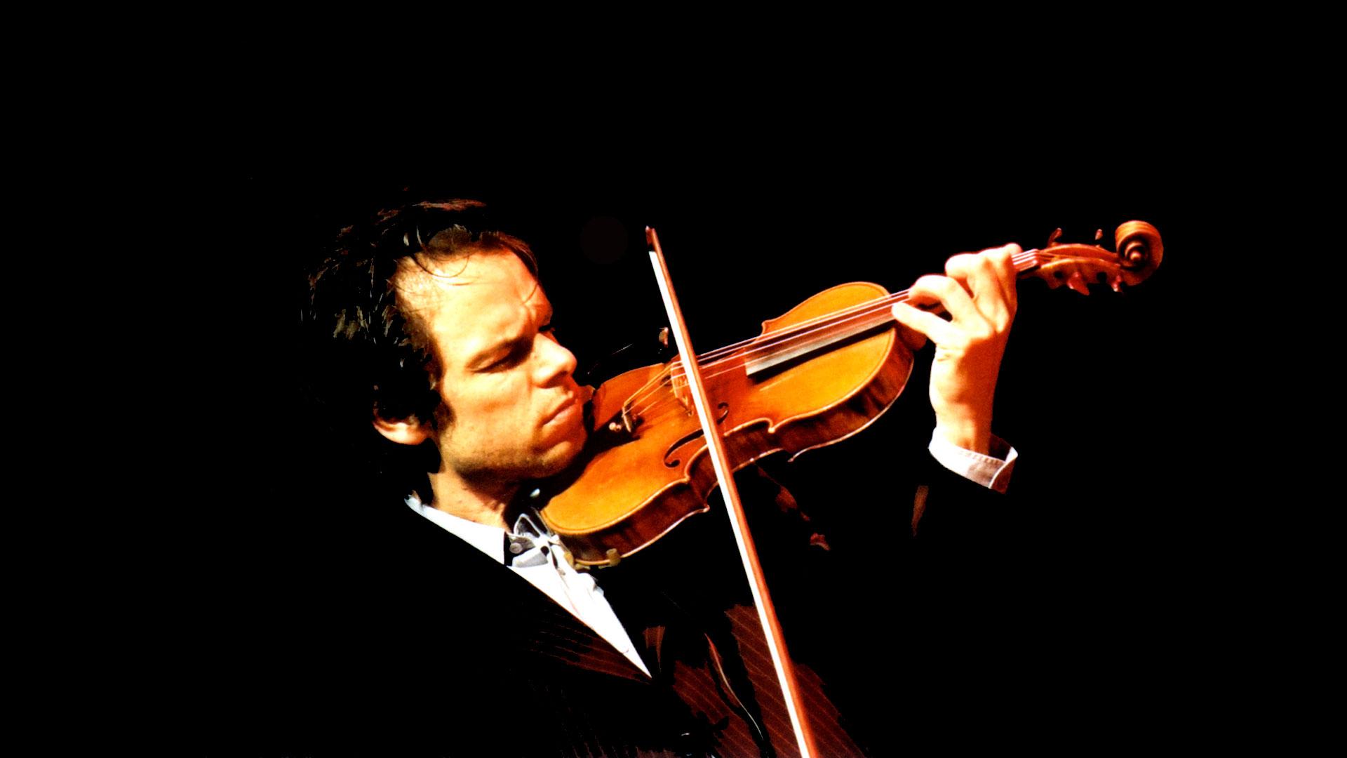"""El violinista vienés Benjamin Schmid interpreta el """"Concierto"""" de Brahms en los conciertos de la OSG en Vigo y A Coruña"""