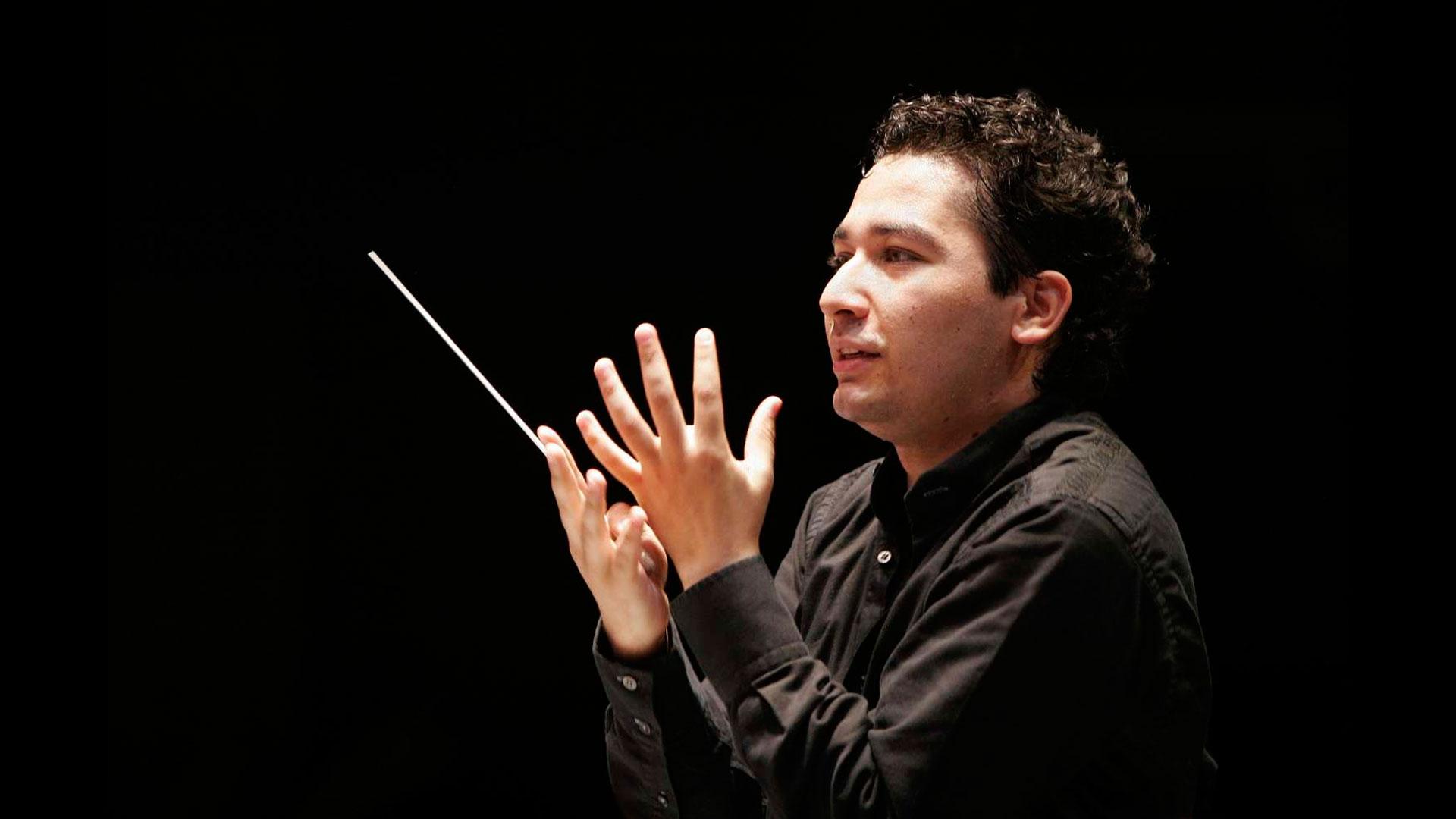 Orozco Estrada dirige obras de Escudero, Brahms y Ravel en su concierto con la Orquesta Sinfónica de Galicia