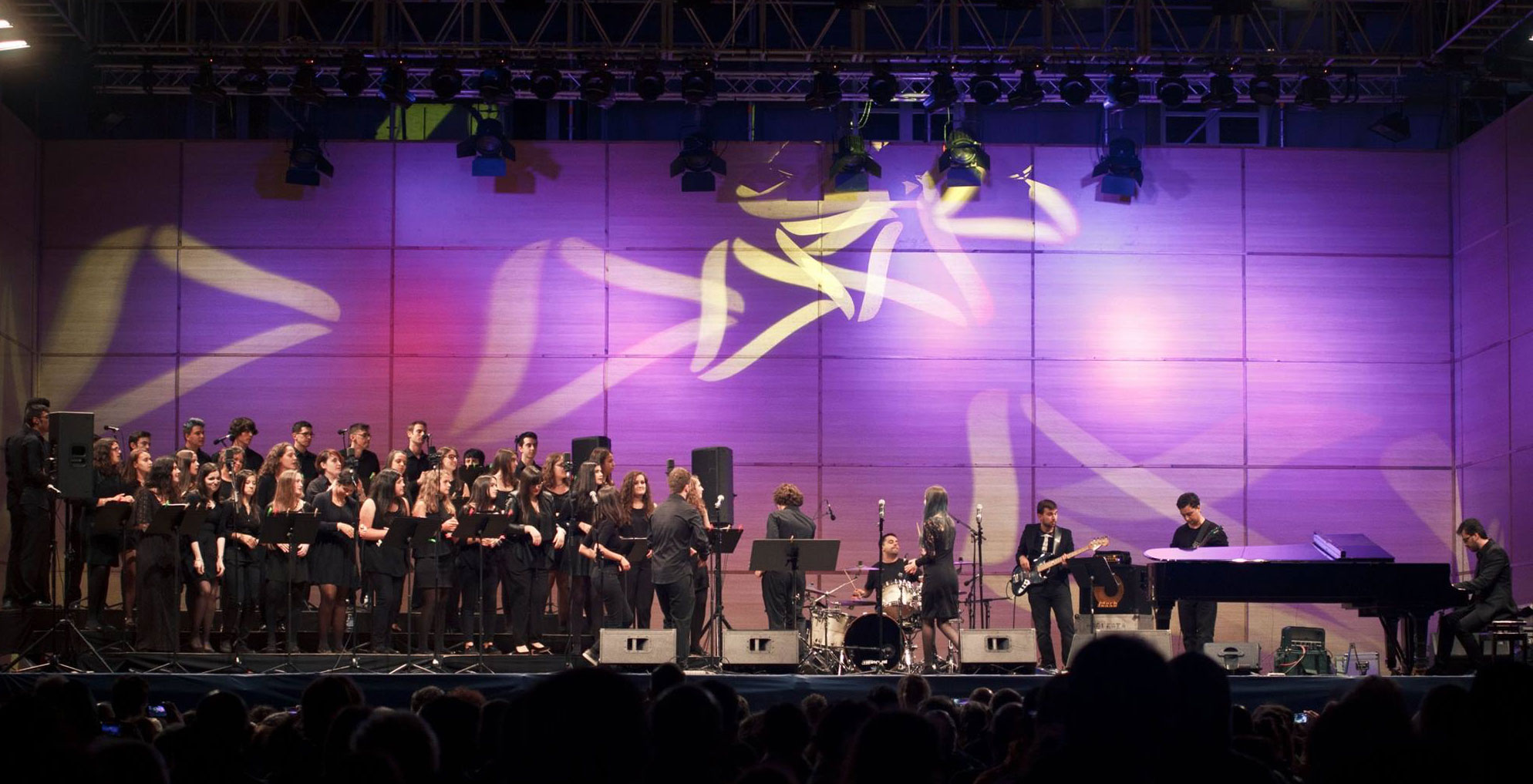 El Coro Joven de la OSG canta en Ferrol a beneficio de Cáritas