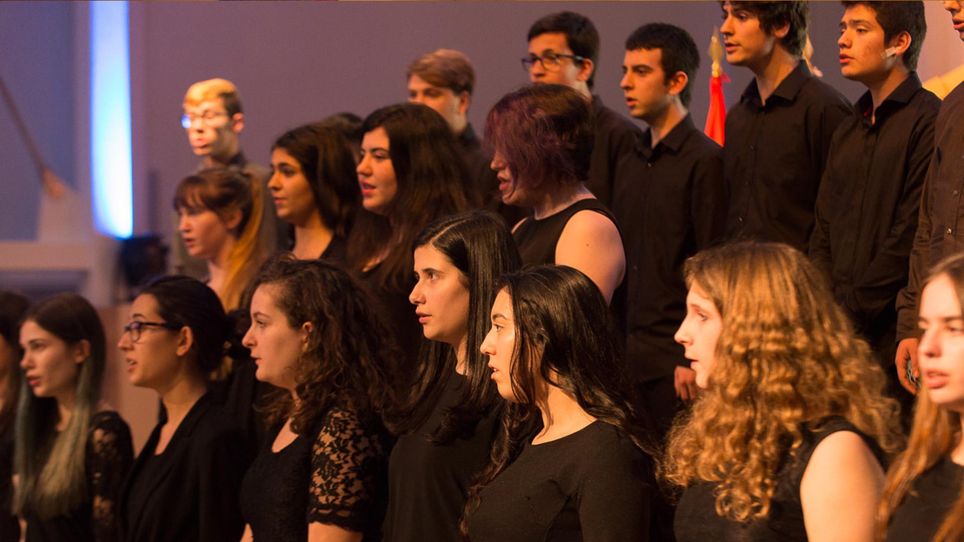 El Coro de la OSG pone en marcha una campaña para captar nuevas voces con las que reforzar el monumental Requiem de Verdi que ofrecerá con la Sinfónica de Galicia en mayo de 2016
