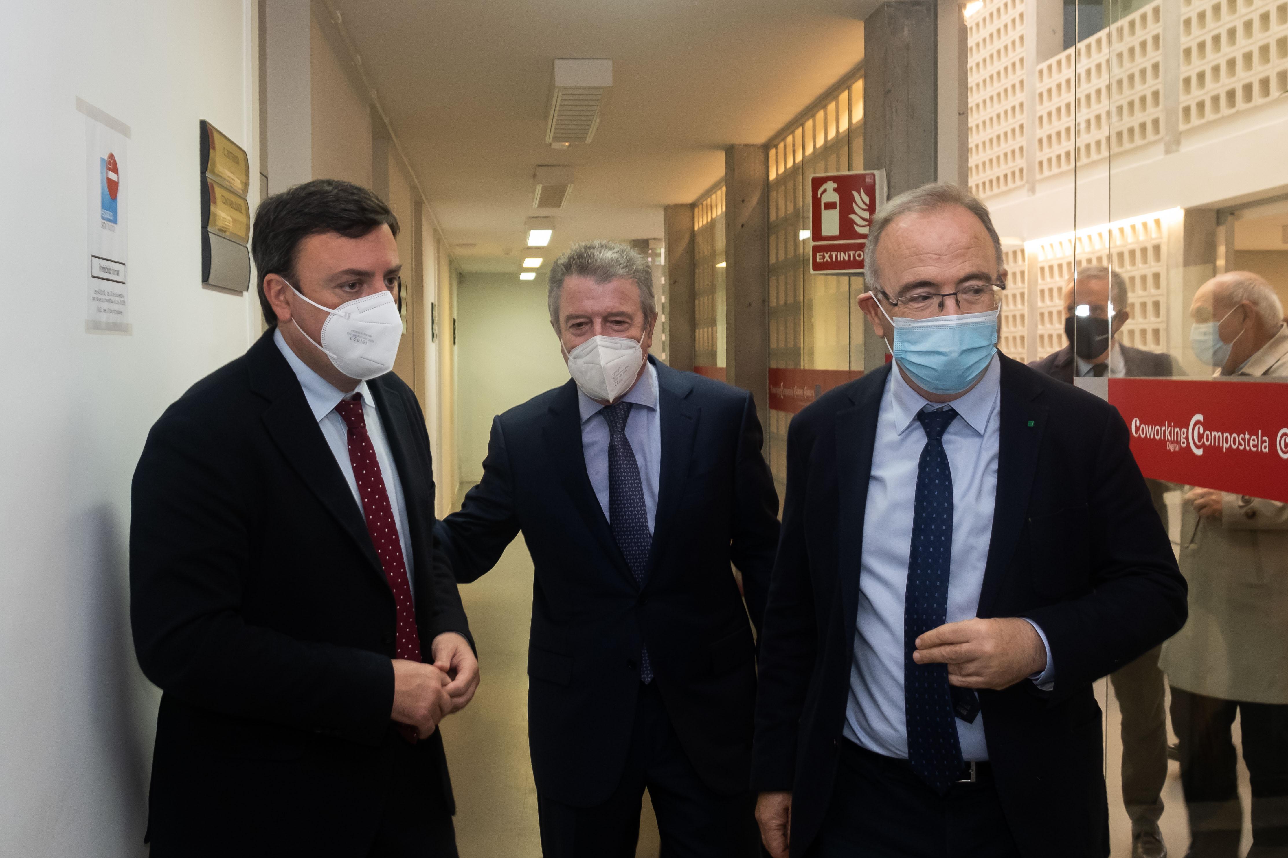 O presidente da Deputación de A Coruña visitou o coworking dixital da Cámara de Comercio de Santiago